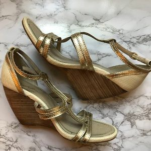 Seychelles Gold ans Cream Faux Snakeskin Wedges